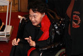 央视春晚陈奕迅坐轮椅上阵