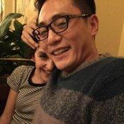 刘烨聚会搂妻子秀甜蜜