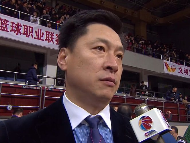 李春江含泪控诉球迷