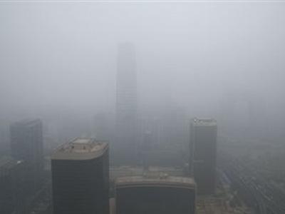 国贸三期实拍北京城灰蒙蒙一片