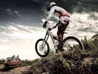 EDGE山地自行车MV大赏  骑行穿越原始森林如科幻电影