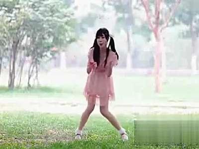 【久图网】小苹果舞蹈:粉裙美女版