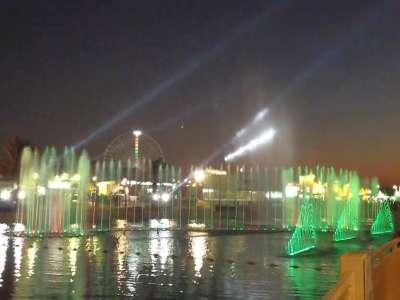 迪拜地球村音乐喷泉- 在线观看