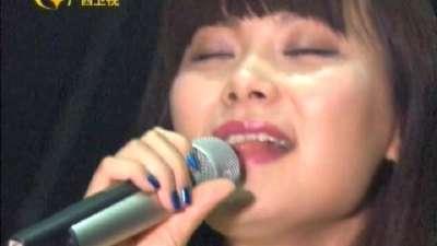 泰国美女齐P短裙跳热舞 观众示爱吴克群被震到