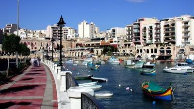 东南卫视号到达意大利西西里岛 在马耳他共和国受到最最贵迎接