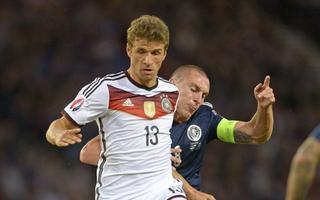 穆勒再现门前机敏嗅觉 半蹲式抢点助德国再度领先图片