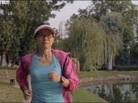 《跑马人生》谢文静:逆龄女教授3小时30分跑全马