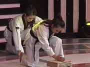 《大家想得美》20151220:跆拳道社团妹子徒手劈木板  高级酒店女管家百里挑一