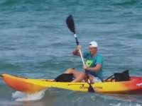 没比赛就到海上浪 ATP名将玩皮划艇