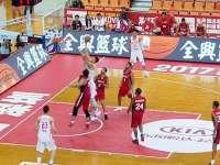 斯杯-两颗中国男篮新星!阿不都神传范子铭1v4打2+1