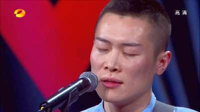 呆萌男获尚雯婕送香吻 黄妈惜字如金现场收徒