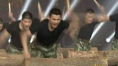 孙富强、金哲鑫等《大森林里的一群兵》