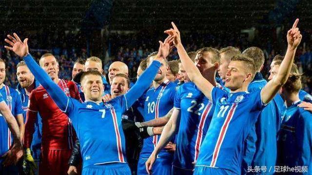 冰岛告诉你什么叫全民足球 球场供暖 全天