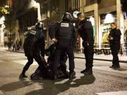 巴黎恐袭案多名嫌犯被捕 法将派核航母打击IS