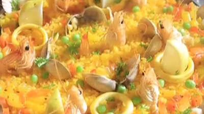 80后业余对决90后专业  西班牙海鲜饭谁说了算