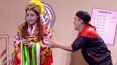 """外卖小哥韭菜盒子撮合离婚夫妻 现场闹剧不断路人被""""小三"""""""