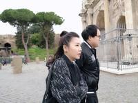 罗马式碰瓷难坏两女神 为省钱被逼出绝招