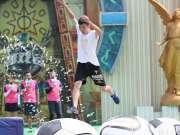 《勇者大冲关》20160816:小哥臂力惊人开启风车模式 帅气阳光男孩肌肉线条分明