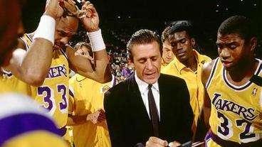 历史上的12月8日:莱利成史上最快300胜主教练