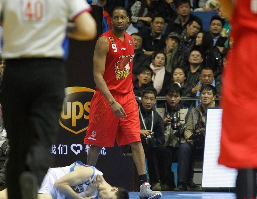 CBA联赛在NBA球员眼里有多差? 诺维茨基: 再不努力你只有去中国打