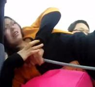 广东女子欲跳楼反被救