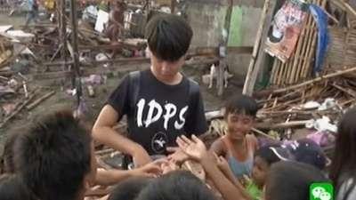 队长邬帆帆遭遇信任危机 慰问被台风袭击的村落