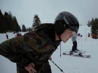 史上最lowPK?两初学者滑雪大战槽点满满