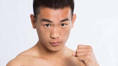 武术散打争霸赛迎来决赛 张坤不负众望获得胜利