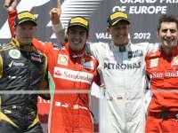 莱科宁怼上舒马赫!F1官方最精彩的五大超车表演