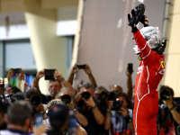 F1巴林站维特尔三冠王 小汉博塔斯分列二三