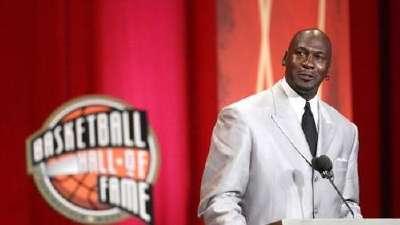 历史上的9月11日:美国男篮历史首败 乔丹入名人堂