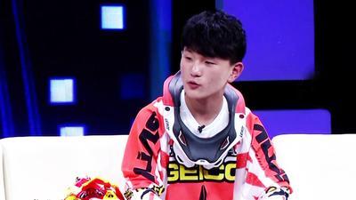 13岁中国花式摩托第一人 十年摩托生涯面临的选择