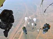 《军情解码》20160307:空降兵是怎样炼成的 体验空降兵的特种训练