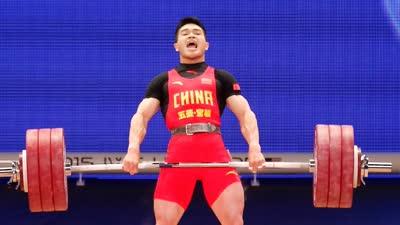 石智勇夺冠引爆举重馆 外国观众为中国力士喝彩