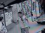 《法治进行时》20160815:先杀人后放火凶徒疯魔乱舞 篮球梦少年藏身网络变毒贩