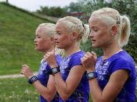 三胞胎姐妹出生时不到四斤 婴儿时即对抗死亡