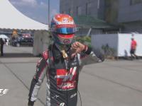 不开心!F1马来西亚站正赛:格罗斯让退赛打手势抱怨