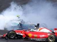 F1马来西亚站正赛发车回放:首弯混战维特尔战损