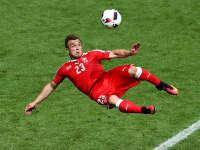 【沙奇里】瑞士梅西曾世界杯上演帽子戏法 惊世倒钩媲美伊布