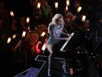 有才Gaga! 弹唱《Million Reasons》现场变星光海洋