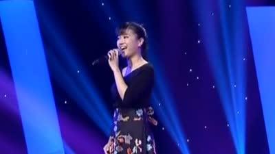 湘妹子力邀周炜合唱花鼓戏