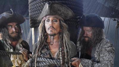 《加勒比海盗5》新预告布鲁姆再亮相 时隔十年回归变身不死船长