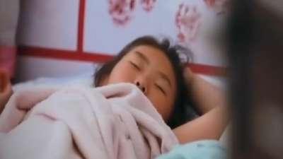 中国孩子驯鹿精灵娜思塔