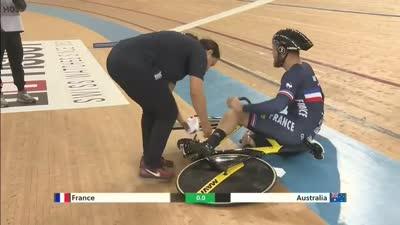 发车事故频发 法国选手后轮打滑摔车