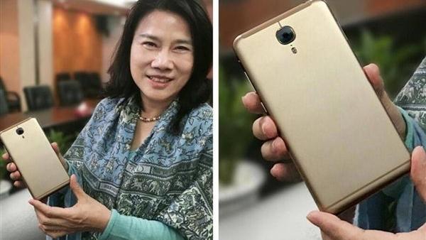 格力手机3天销量增800倍 细数董明珠的推销术