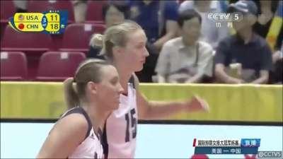 第三局 中国队25-14美国队 大比分2-1领先