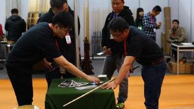 乐视体育携联联看推首款智能台球杆 亮相广州展会