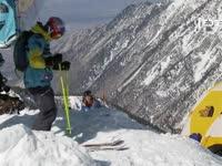 高山滑雪卷白色迷雾 激情躁动燃炸天
