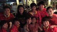 张怡宁带爱女游香港 与奥运代表团聚会发自拍美照