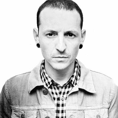 林肯公园乐队主唱Chester在家身亡年仅41岁